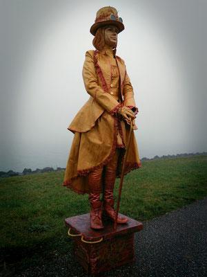 Levend standbeeld Madame Mystique