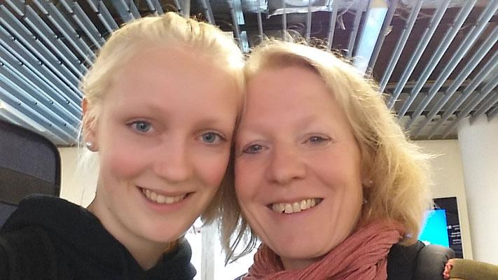 Noch ein letztes Abschlußselfie am Flughafen in Frankfurt mit meiner Mutter