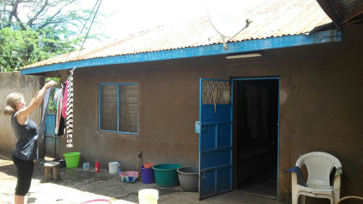 Das Haus mit Vorhof zum Wäsche und Geschirr waschen