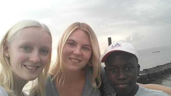 Mit Alena (eine andere deutsche Freiwillige) und ihr Gastbruder