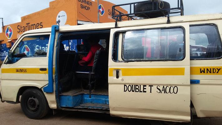 Matatu- das Hauptverkehrsmittel in Kenia
