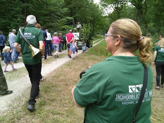 Jagdhornklang am Wegesrand. 4. August 2019 im Duinger Wald