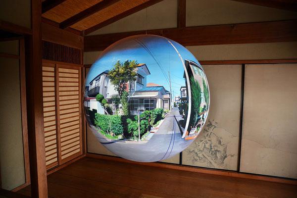 Big Flatball 2015 / acrylic on FRP / φ100cm / 2015