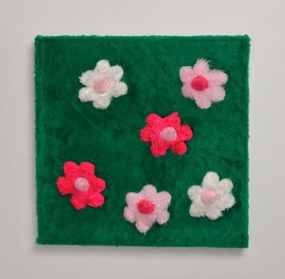 Primavera / plush / 60 × 60 cm / 2003