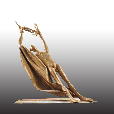 Man and Bird / bronze, copper / 111×105×105cm / 1994-95 男と鳥 / ブロンズ、銅