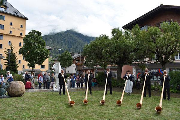 Die Alphorners Davos Klosters in Aktion