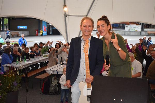 Toller Auftritt von Anja Rominger und Cornelius Bosetto im Festzelt und Kulturschuppen.