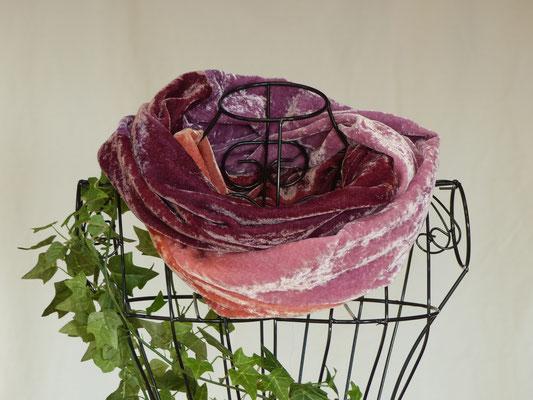 pflanzengefärbter Schal-STOCKROSE