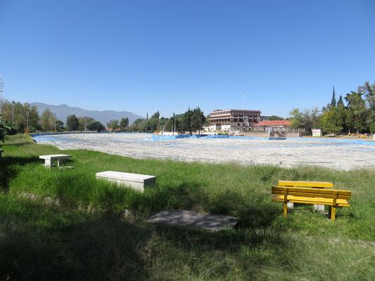 Pool auf dem Campingplatz in Salta.
