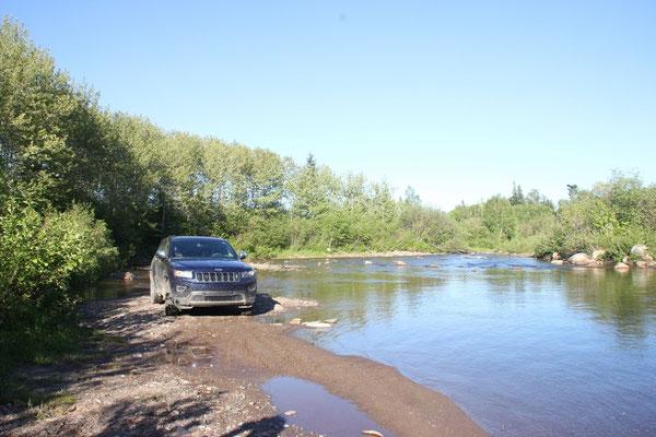 Fahrt durchs Flussbett