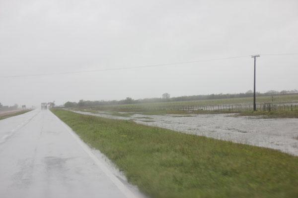 Überall Überschwemmungen! Scheint hier schon länger zu regnen.