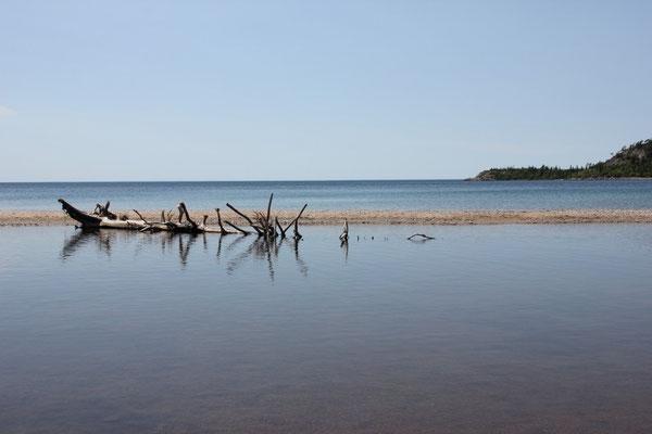 Eine kleine vorgelagerte Sandbank vor der Old Woman Bay.