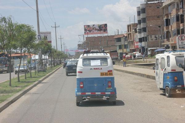 In allen grösseren Ortschaften findet man diese Mototaxis.