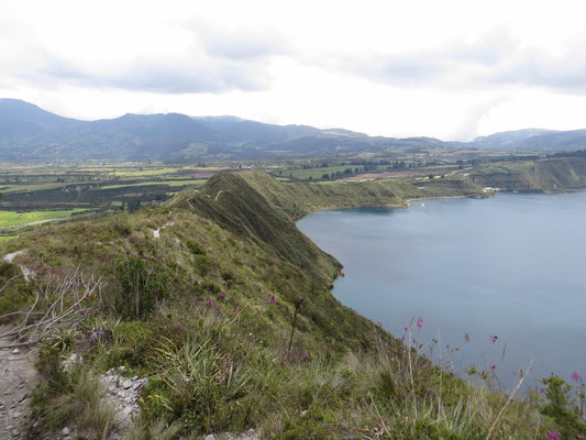 Der Wanderweg auf dem Vulkankrater.