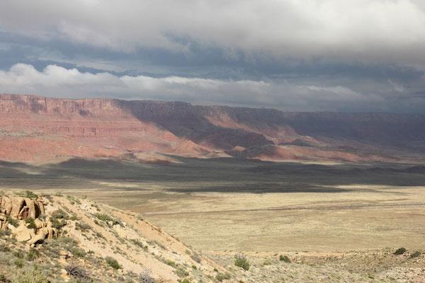 Der Blick zurück auf die Vermilion Cliffs.
