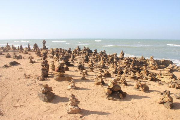 Steinmännchen am nördlichsten Punkt von Südamerika.
