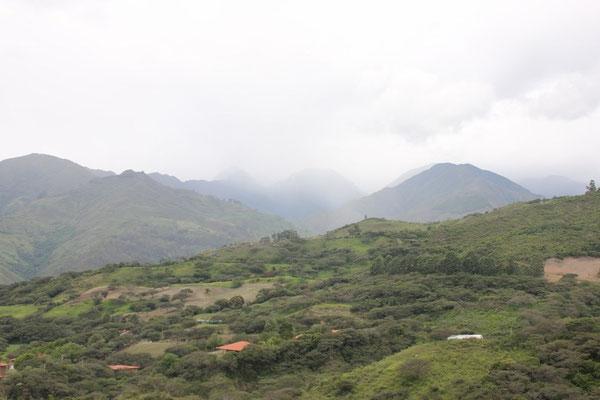 Das Städtlein liegt in einem schönen Tal.