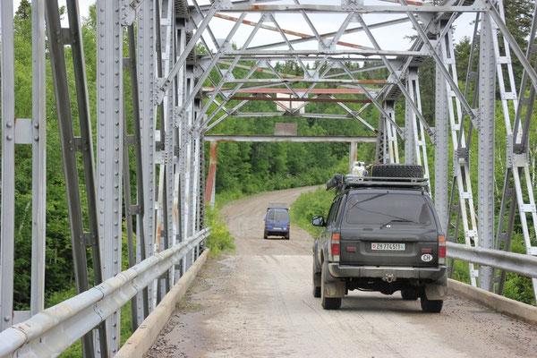 Wir waren jedes Mal enttäuscht, wenn es eine Brücke hatte. Hoffentlich lassen die echten Flussdurchquerungen nicht mehr allzu lange auf sich warten.