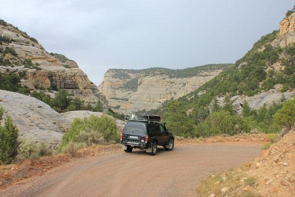 die Fahrt in den Canyon hinunter