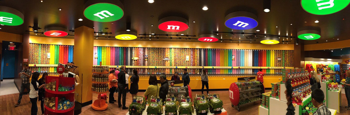 Candy Wall im M&M's Shop