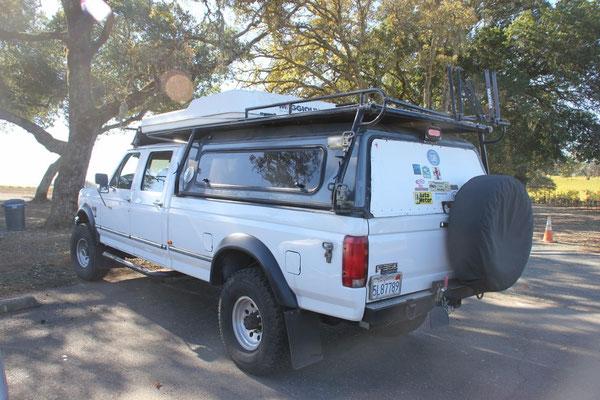 Unser nächster Ausflug ging in diesem Truck durch die Weinberge Sonomas.