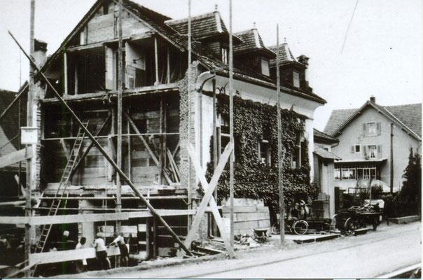 Rest. Traube, Balgach. Aufnahme 1939: Rücksetzung der Wirtschaft. Archiv Grünenfelder.