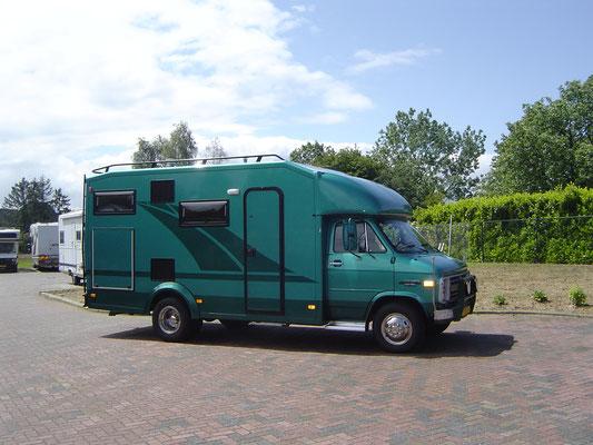 Half integraal camper