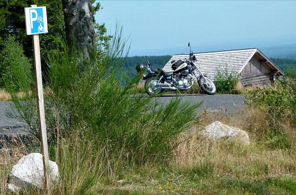 Moniteur guide de pêche Corrèze - Plateau de Millevaches - Guide balade à moto Corrèze - Fish and Bike