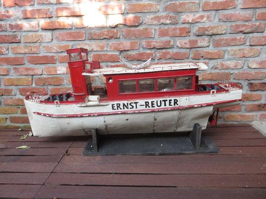 navire métal Ernst Reuter Berlin ref 8134