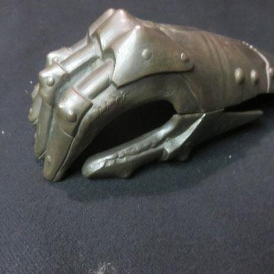 1419 gant armure en bronze