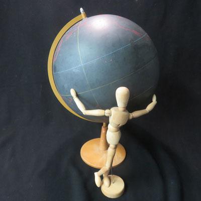 1539 globe terrestre muet noir