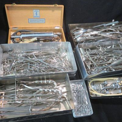 ref 8330 ensemble d'instruments chirurgicaux