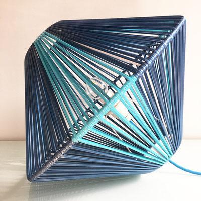 Lampe DoScoubi XL bleu métal bleu - @cprqct