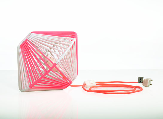 Lampe DoScoubi Small rose fluo catalogue - @cprqct