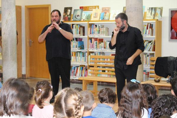 Duduk de Armenia en la Biblioteca de Cádiz