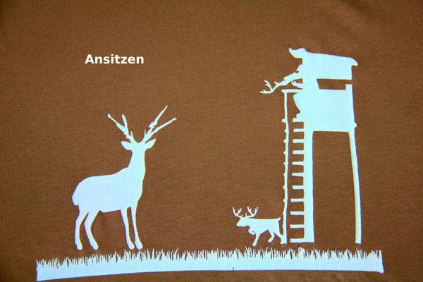 T-Shirt Motiv Ansitzen (Jagd mal anders). Klimaneutral, fair und bioologisch produziertes Textil