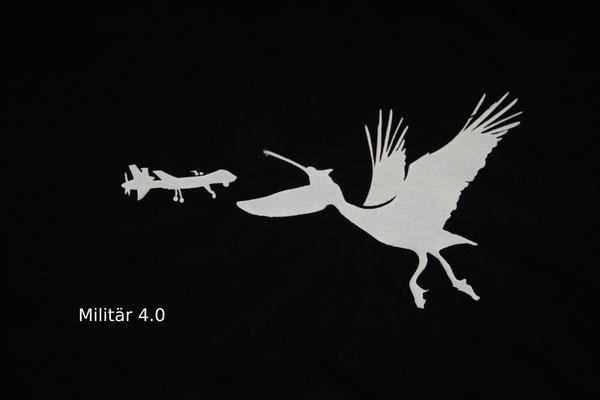 T-Shirt Motiv Militär 2.0 (Pelikan und Drohne).  Klimaneutral, fair und bioologisch produziertes Textil