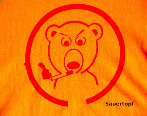 T-Shirt Motiv Sauertopf (Bär mit Zigarette).  Klimaneutral, fair und bioologisch produziertes Textil