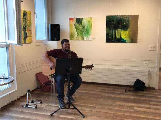 Basil Haeber von Basil@guitar. Finissage 9.Februar 2020 Kulturschopf in Zeiningen.