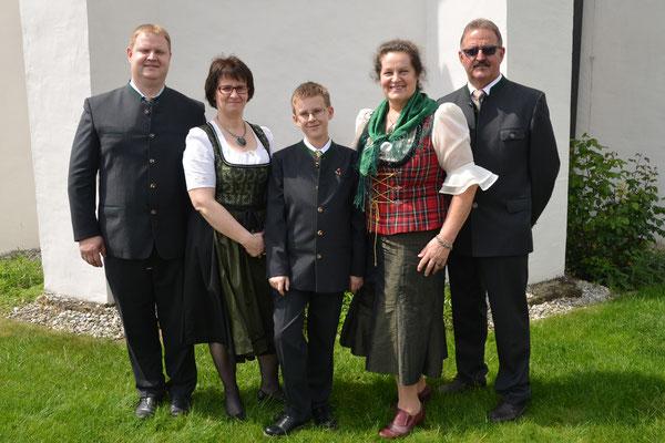 2016 (Firmung Maximilian): Patrick, Hannelore, Maximilian, Rosa und Herbert Planer