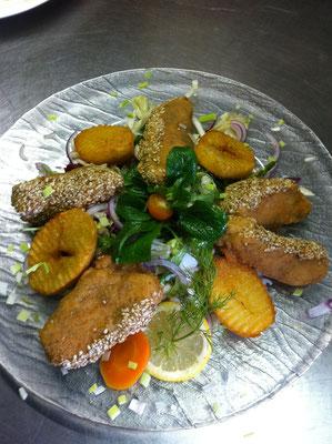 Wildlachs in der Sesamkruste
