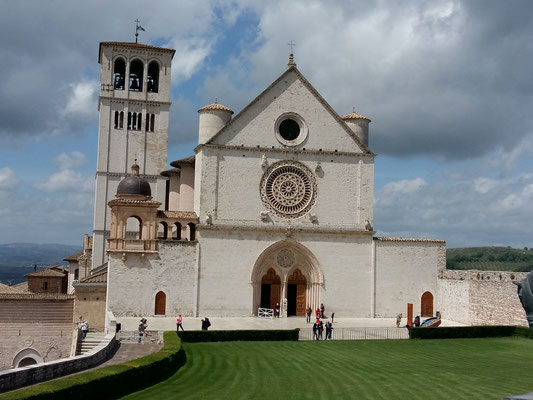 Basilika di San Francesco, Assisi