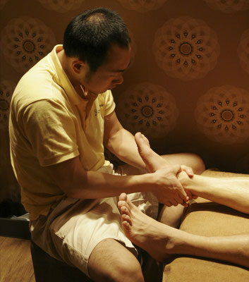 sellyourseoul / Sport Massage at The Foot Shop / tinyurl.com/y6eoskq2