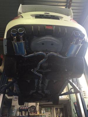 WRX STI mit Invidia Q300 Sportauspuffanlage ab Kat mit Titan-Endrohrvariante.