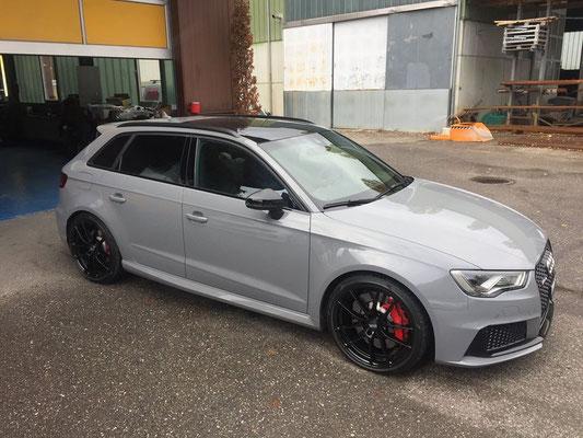 Audi RS3 mit OZ Leggera HLT Felgen...