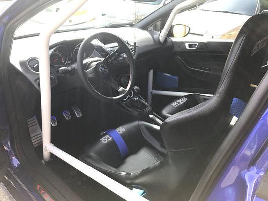Ford Fiesta ST auf Semislicks....