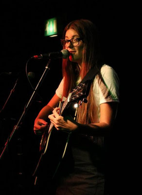 Christelle @ The Brunswick, Hove - 13/08/16. Credit: Andy Voakes.