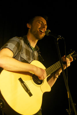 Mark Ben Wilson @ The Dukebox Theatre, Brighton - 13/09/13. Credit: Peter Williams.