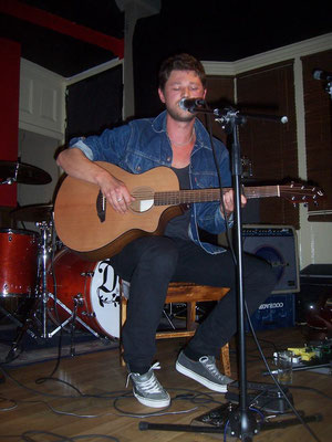 Jake Mackay @ The Lectern, Brighton - 27/08/11. Credit: Richard Ward.
