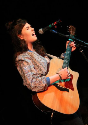 Lily Rendle-Moore @ The Brunswick, Hove - 09/07/16. Credit: Andy Voakes.